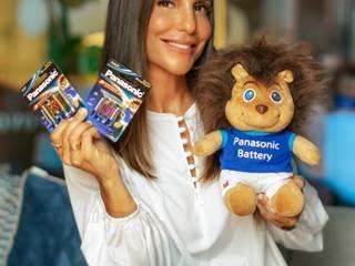 Ivete Sangalo firma parceria com o mascote da divisão de pilhas da gigante japonesa, o Panasonic Leo