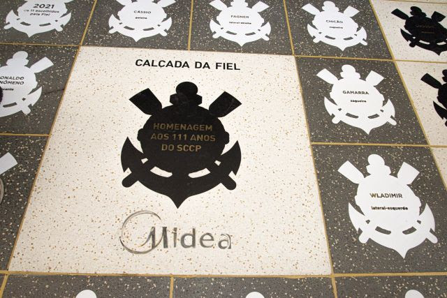 Corinthians e Midea inauguram Calçada da Fiel em comemoração aos 111 anos do clube