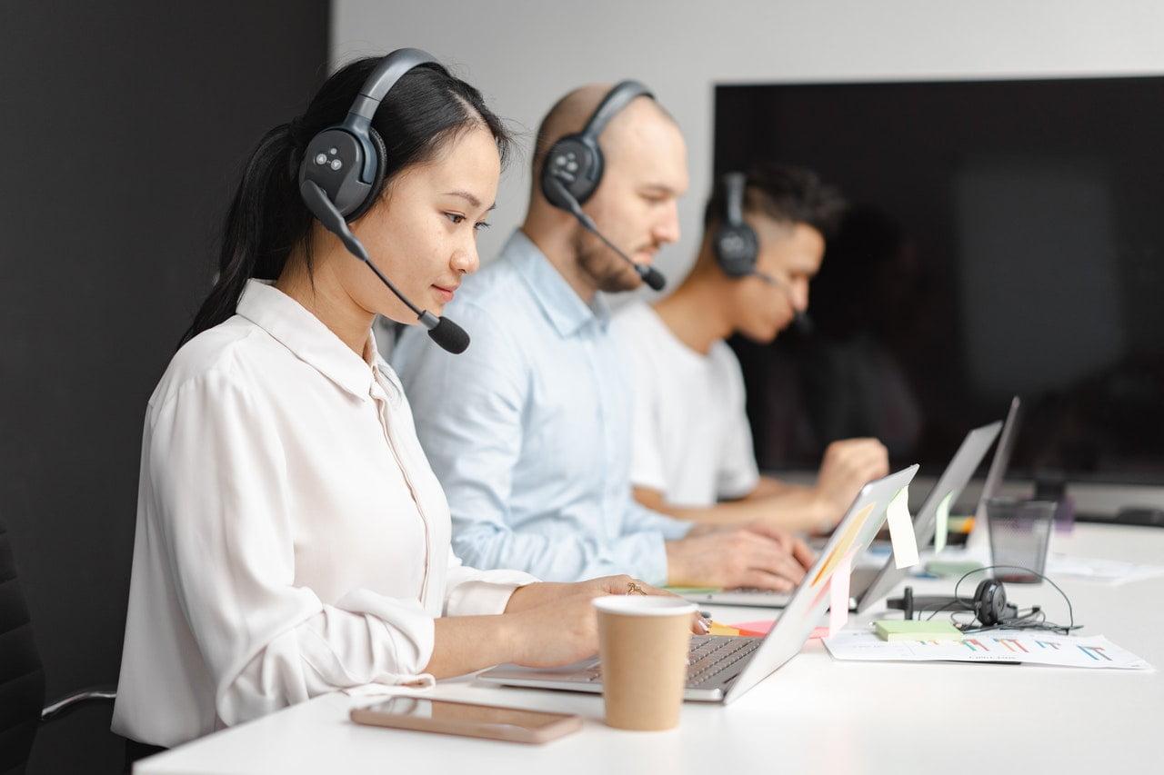 Nova pesquisa global revela que 56% dos consumidores afirmam que o atendimento ao cliente das marcas não corresponde à imagem que retrata